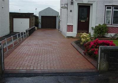 Paved driveway with kerbs Glasgow